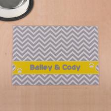 Streifen Grau und Gelb Winkelmuster Futterstelle Personalisieren