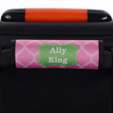 Vierpass Pink Grüner Rahmen Personalisierter Kofferanhänger