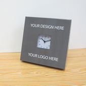 Ihr Design & Logo Tischuhr Kleines Zifferblatt