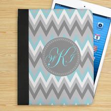 Monogramm Hellblau Weiß Grau Zickzack iPad Case Personalisieren