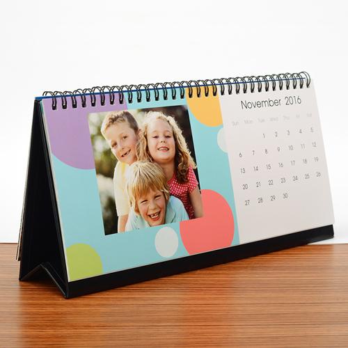 Tischkalender 216 mm x 280 mm, Bunte Streifen